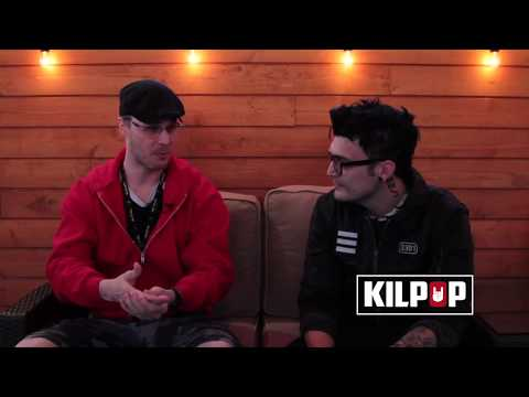 Kilpop Stage Left: Dustin Bates from Starset cannot sit still!